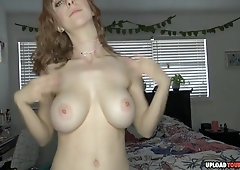 Hot babe with a nice busty tits oil her body and stream everything through webcam