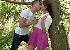 Young amateur pussy fucked in the woods