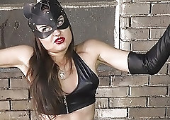 Kitty Girl Vs La Madame
