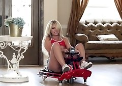 Madelyn Monroe get pounded all over the rented house by her bf