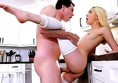 Skinny blonde Jane Wilde makes a monster cock disappear in her