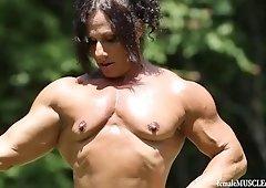 Annie Rivieccio muscle babe