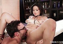 Prankish Hipster Eats Moist Vagina Of Gorgeous Cougar