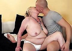 Grandmother Sla does not wear a bra