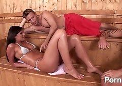Simony Diamond Hot Sauna Sex