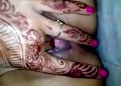 henna inked indian playing with her pussy
