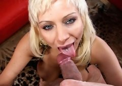 Italian Mommy Isabella Rossa Down On Her Knees