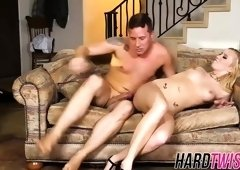 Seductive bimbo Bailey Brooke bends over and gets licked