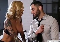 Lucky dude gets a chance to get a nice BJ from tattooed Sarah Jessie