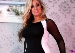 Curvaceous milf Kellie O Brian shows off her adorable plump ass and juicy cunt