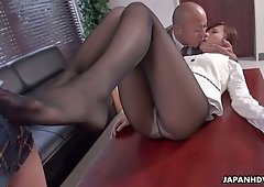 Sex hungry office slut Aihara Miho likes being the center of attention