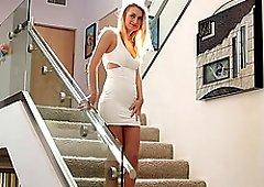 Bosomy hottie Natalia Starr having her pussy penetrated hard
