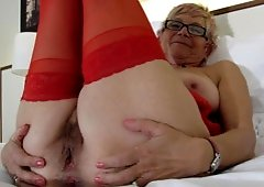 Slutty Granny Play And Display Her Pooter