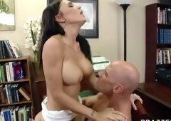 Divine busty Jessica Jaymes gives an amazing BJ