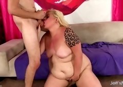This slut knows she's fat and she knows that there are men who want to fuck her
