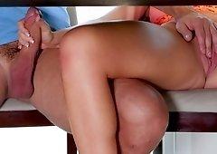 Blonde nympho fucks her boyfriend at mom's house